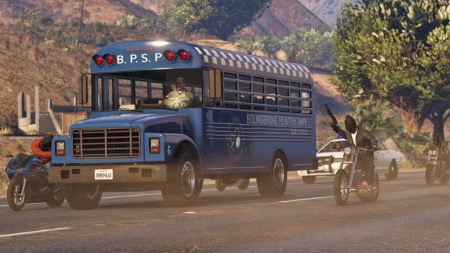 official-screenshot-prison-bus-takeover