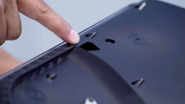 PS5 Staub entfernen Schlitze