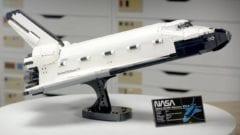 LEGO NASA Space Shuttle Discovery - mit Ständer