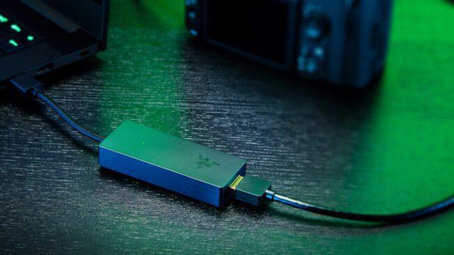 Razer macht Elgato mit der neuen Capture Card Ripsaw X Konkurrenz.